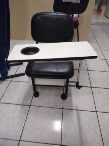 revisteiro e cadeira de manicure - Foto 2