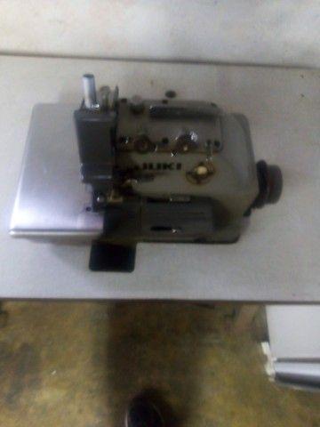 R$1.300 Maquina de Costura overlock 3 fios/ 5 fios interlock - Foto 3