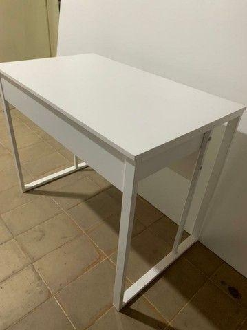 Mesa escrivaninha com gavetas  - Foto 4
