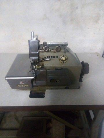 R$1.300 Maquina de Costura overlock 3 fios/ 5 fios interlock - Foto 2