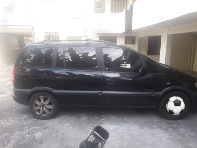 Chevrolet Zafira Elegance - Foto 3