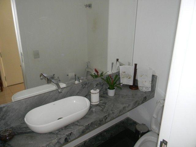 Apartamento para venda possui 240 metros quadrados com 4 quartos em Enseada do Suá - Vitór - Foto 9