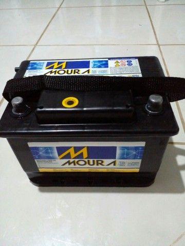 Vendo Bateria Moura 60AH semi nova. - Foto 2