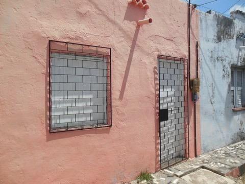 Casa com 1 Quarto para Alugar, 25 m² por R$ 400/Mês