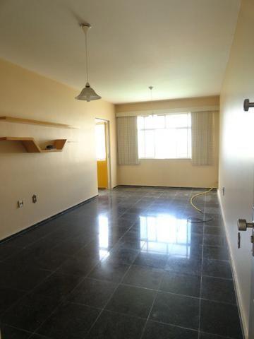 Apartamento com 3 Quartos para Alugar, 130 m² por R$ 800/Mês - Foto 3