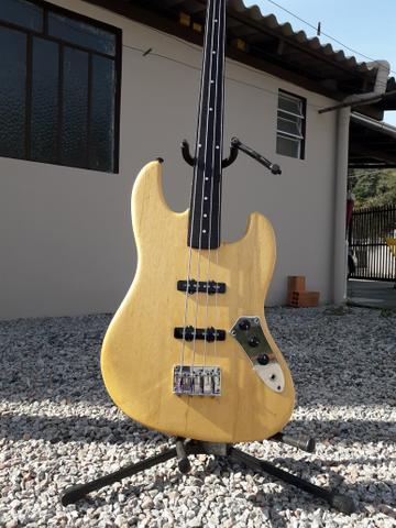 Baixo fretless luthier Artwood jazzbass 4 cordas