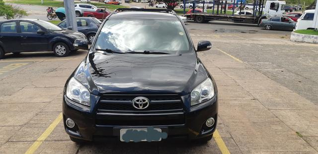 Toyota RAV4 2011 completa