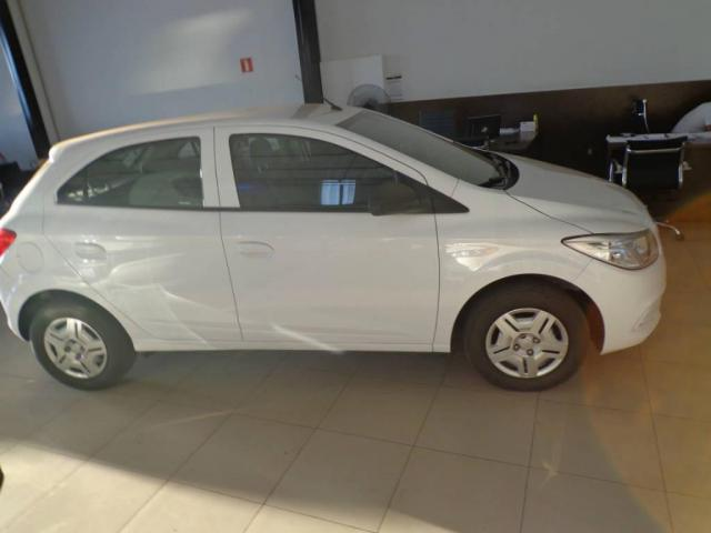 Chevrolet Onix 1.0 LT MECANICO - Foto 2