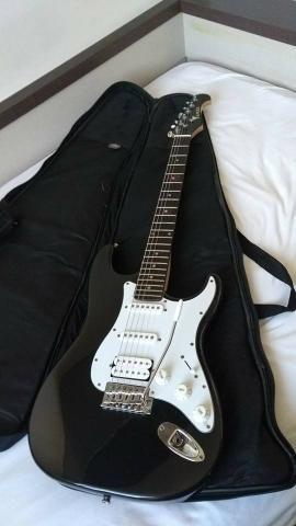 Guitarra Eagle STS 002 + Case - Foto 4