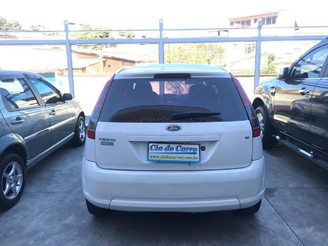 Ford Fiesta Hatch 1.6 Completo e Bem Conservado - Foto 5