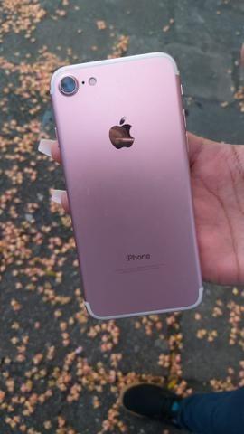 IPhone 7 R$1200