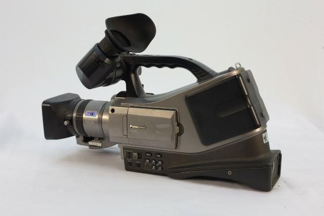 )- Câmera Profissional Panasonic 750x - Foto 6