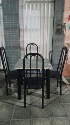 Mesa de marmore 4 cadeiras