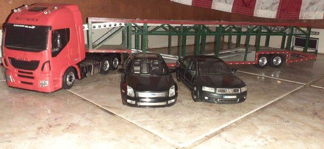 Cegonheira e ford fusion miniatura audi - Foto 4