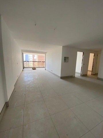 T.F apartamento 3 suítes e 2 vagas no Bessa - Foto 2
