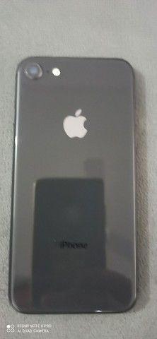iPhone 8 64gb. De procedência semi novo.aparelho impecável. - Foto 3