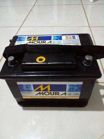 Vendo Bateria Moura 60AH semi nova. - Foto 3