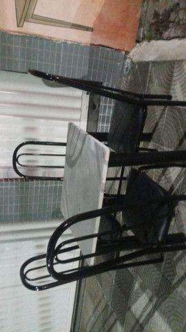 Mesa de marmore 4 cadeiras  - Foto 2