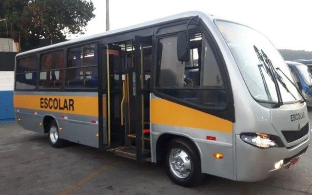 Micro Ônibus Ibrava Escolar Prata 51 Lugares.