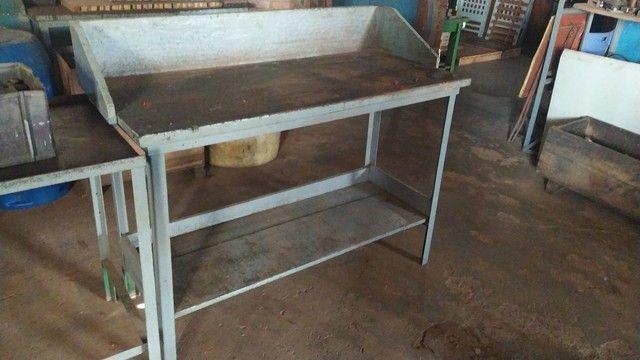 Bancadas Aço e madeira de lei - Foto 2