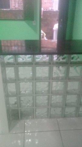 Casa com varanda, 2 quartos e outros no Guamá - Foto 2