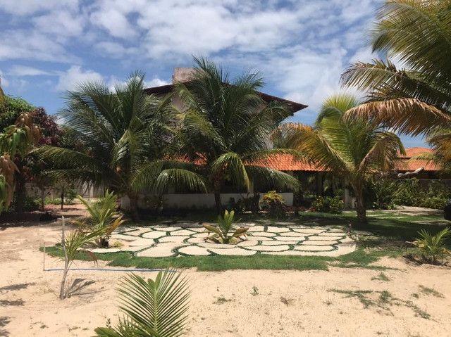 Casa duplex para venda tem 146m2 com 4 suítes próximo a praia da Caponga - Cascavel - CE - Foto 16