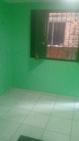Casa com varanda, 2 quartos e outros no Guamá - Foto 4