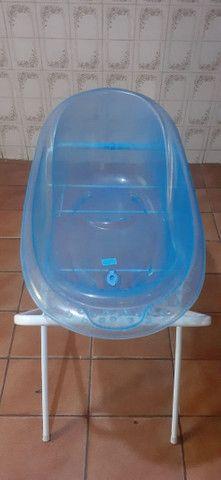 Banheira translúcida azul com suporte  - Foto 3