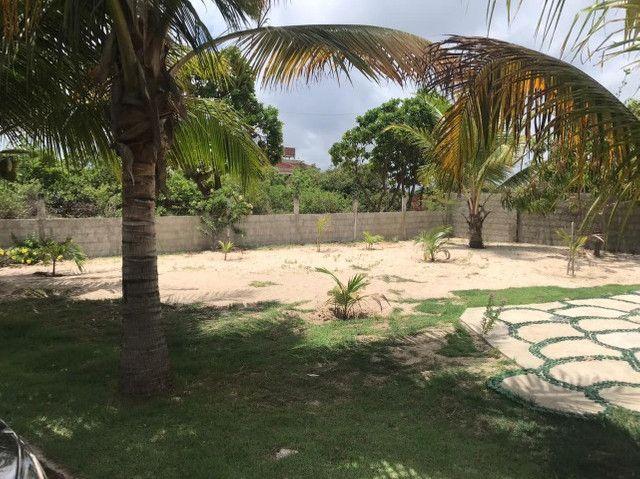 Casa duplex para venda tem 146m2 com 4 suítes próximo a praia da Caponga - Cascavel - CE - Foto 13