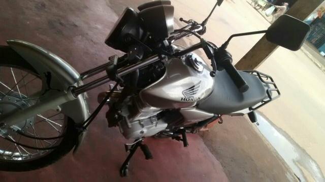 Honda Cg Moto 150 bem conservada