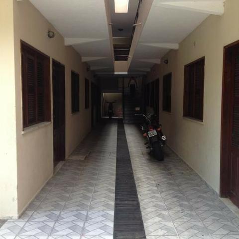 Alugo Apartamento na Rua Jorge Acurcio - Vila Uniao