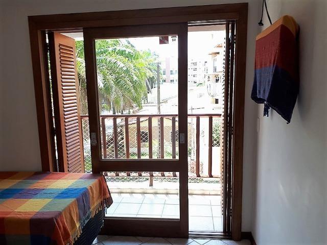 Apto 3 dorm no Grand Bali, frente mar, segurança 24 hs, lazer completo, mobiliado, ar cond - Foto 4