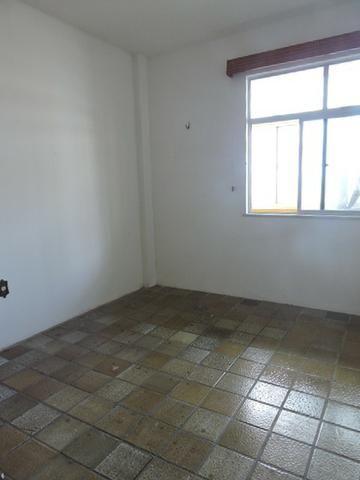 Apartamento com 3 Quartos para Alugar, 130 m² por R$ 800/Mês - Foto 10