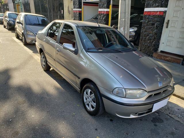 Fiat Siena 6 marchas 1.0 - 2000