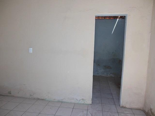 Casa com 1 Quarto para Alugar, 25 m² por R$ 400/Mês - Foto 3