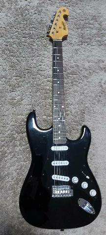 Guitarra Strato Tagima Memphis.