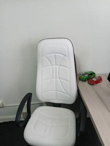 Cadeira presidente novinha 550.00