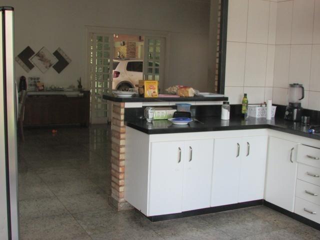 Casa em lote de mais de 1000 m2 - Foto 8