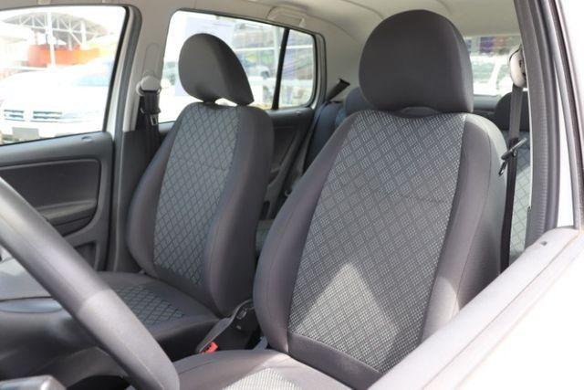 Volkswagen Fox 1.0 MPi Trendline 2016 - Foto 11