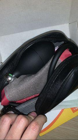 kit estetoscópio e esfigmomanômetro vinho premium  - Foto 4