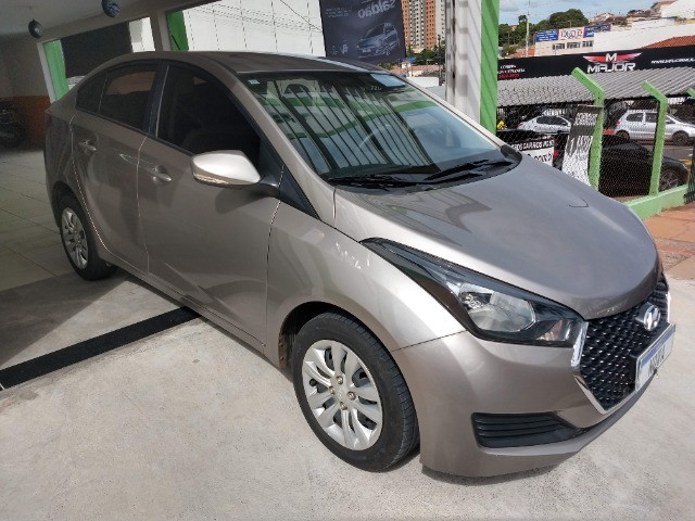 Hyundai HB20S Comfort Plus 1.6 Flex Automático 2019 - 27.481 Km / Garantia Fábrica 11/2023 - Foto 2