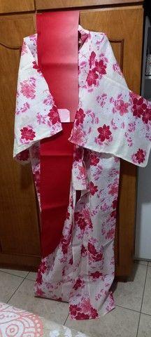 Kimono Feminino Tradicional Japonês- Floral - Foto 4