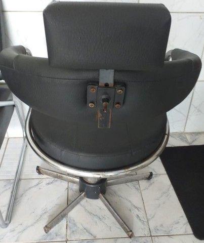 Cadeira de salão em perfeito estado de uso, hidráulico funcionando perfeitamente - Foto 3