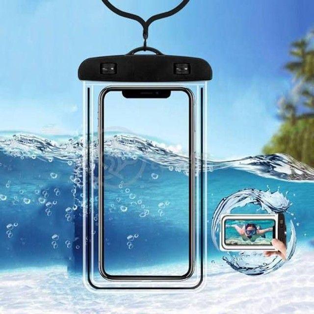 Capa aprova de água para smartphone  - Foto 2