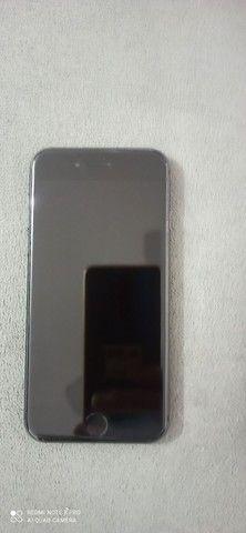 iPhone 8 64gb. De procedência semi novo.aparelho impecável.