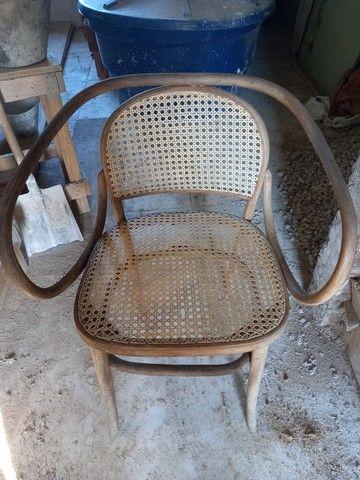 Cadeira antiga. Leia a  abaixo  - Foto 3