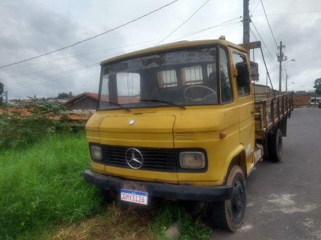 Caminhão 608 1977 pronto para trabalho