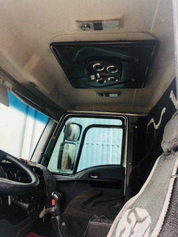 Ford Cargo 1319 Baú refrigerado  - Foto 6