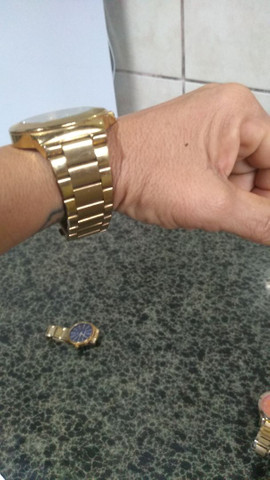Vendo esses lindos relógios femininos originais $100 cada  - Foto 3