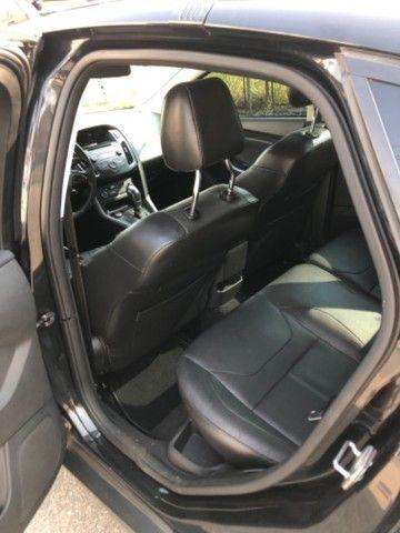 Ford Focus SE Plus Hatch - Foto 5